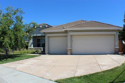 Vacaville Single Family Home For Sale: 925 Pinehurst Court