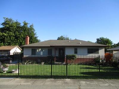 Sacramento Single Family Home For Sale: 7940 Verna Mae Avenue