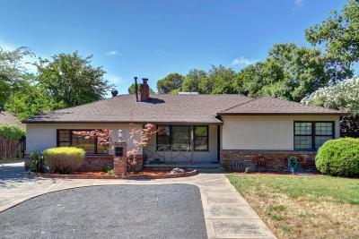 Sacramento Single Family Home For Sale: 4304 Hazelwood Avenue