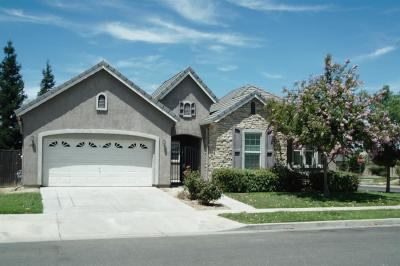 Merced Single Family Home For Sale: 405 Hearst Drive