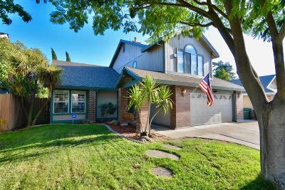 Sacramento Single Family Home For Sale: 8644 Nash Way