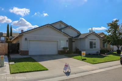 Elk Grove CA Single Family Home For Sale: $385,900