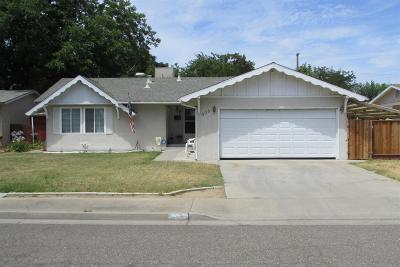 Gustine Single Family Home For Sale: 909 Waller Street