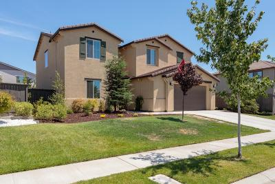 Roseville Single Family Home For Sale: 4008 Chuckwagon Way