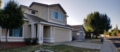Elk Grove CA Single Family Home For Sale: $398,000