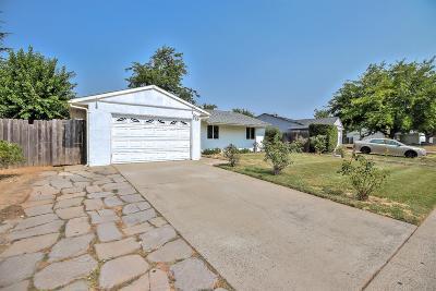 Rancho Cordova Single Family Home For Sale: 2220 Forestlake