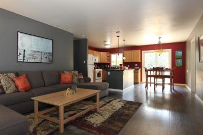 Sacramento CA Single Family Home For Sale: $270,000