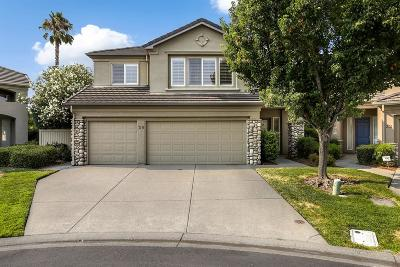 Sacramento Single Family Home For Sale: 39 Surf Water Court