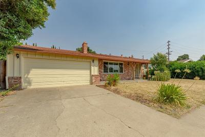 Sacramento Single Family Home For Sale: 6557 Lake Park Drive