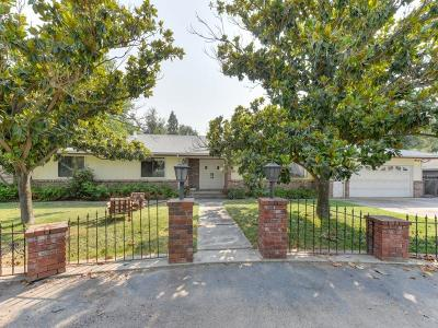 Lockeford Single Family Home For Sale: 19169 North Tully Road