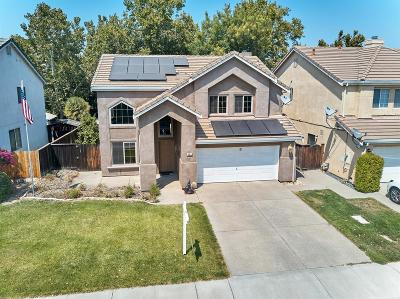 Tracy Single Family Home For Sale: 855 Henderson Way