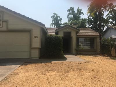 Sacramento Single Family Home For Sale: 8574 Underhill Dr