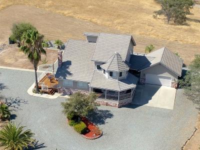 La Grange Single Family Home For Sale: 14807 Avenida Central Avenue