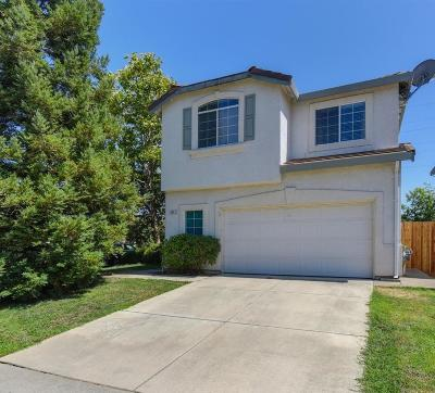 Elk Grove CA Single Family Home For Sale: $397,000