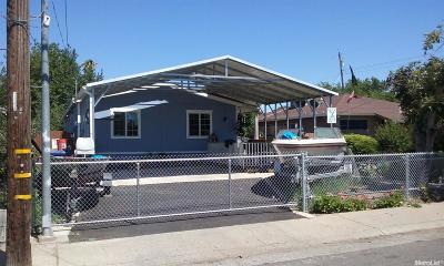 Sacramento County Single Family Home For Sale: 4221 42nd Street