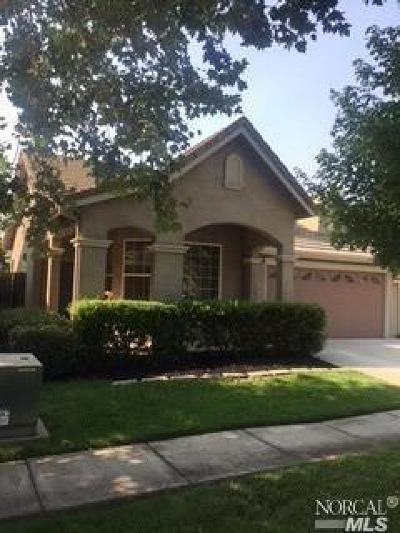 Sacramento Single Family Home For Sale: 2530 Burnaby Way