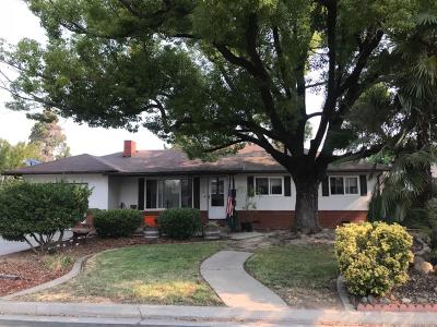 Oakdale Single Family Home For Sale: 1210 Maple Drive