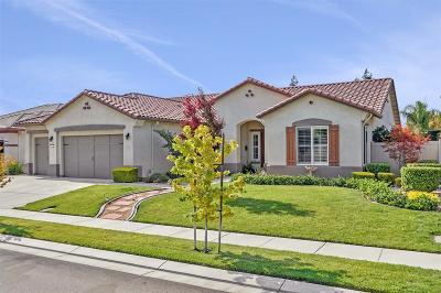 Single Family Home For Sale: 1534 Knollwood Street