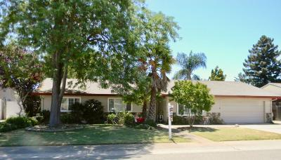 Elk Grove Single Family Home For Sale: 8709 Santa Ridge Circle