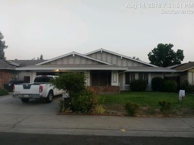 Sacramento County Single Family Home For Sale: 8121 Ingleside Way