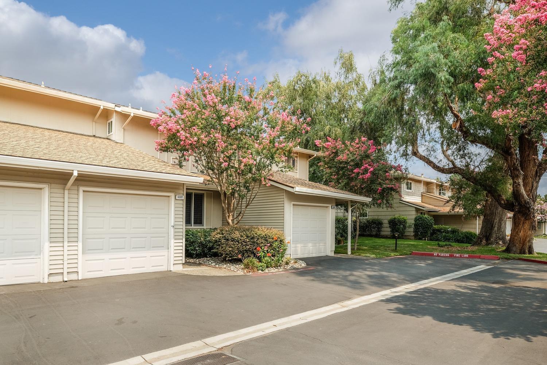 8207 La Riviera Drive Sacramento Ca Mls 18055632 Walker