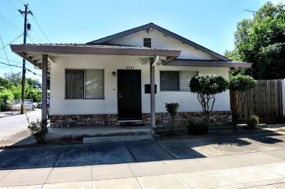 Sacramento Single Family Home For Sale: 2217 15th Street
