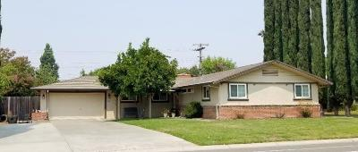 Sacramento Single Family Home For Sale: 4329 Cottage Way