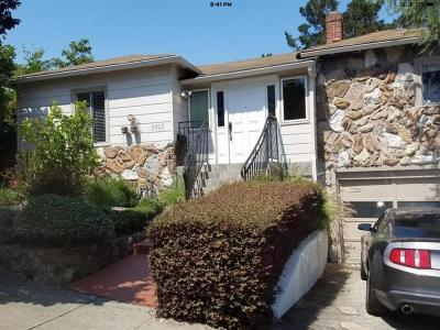 Oakland Single Family Home For Sale: 5969 .majestic Avenue