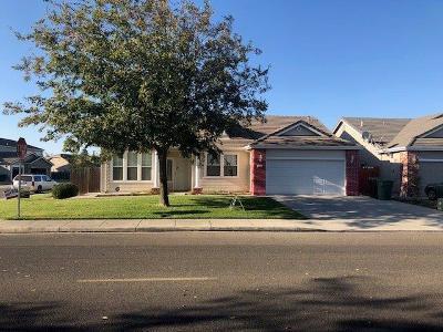 Livingston Single Family Home For Sale: 1429 Emerald Drive