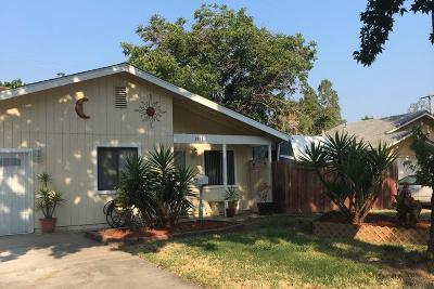 Single Family Home For Sale: 3931 Crawford Court