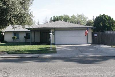 Stockton Single Family Home For Sale: 2566 Lucile Avenue