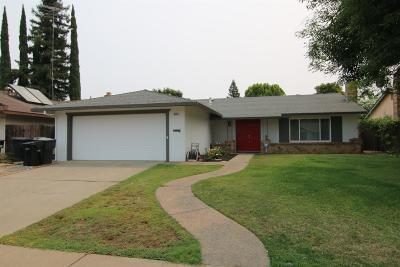 Sacramento Single Family Home For Sale: 9623 Elmira Circle