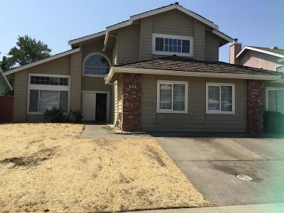 Sacramento Single Family Home For Sale: 8814 Lambay Way
