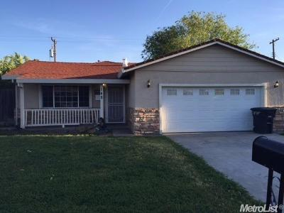 Sacramento Single Family Home For Sale: 148 Fairbanks