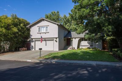 Vacaville Single Family Home For Sale: 318 Woodside Circle