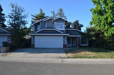Elk Grove CA Single Family Home For Sale: $399,900