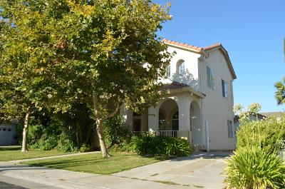 Elk Grove Single Family Home For Sale: 2331 Babson Drive