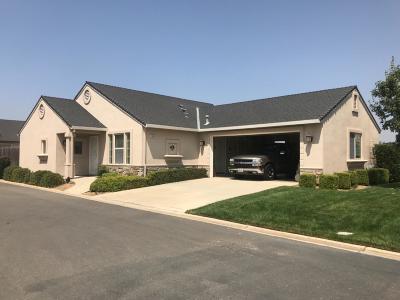 Galt Single Family Home For Sale: 648 Village Drive