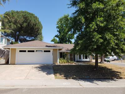 Sacramento Single Family Home For Sale: 7200 Brattle Court