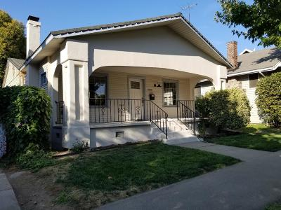 Sacramento Single Family Home For Sale: 3305 T Street