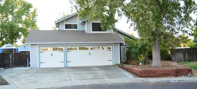 Vacaville Single Family Home For Sale: 448 Lupine Circle