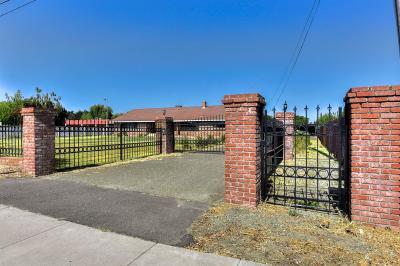 Single Family Home For Sale: 2870 Jefferson Boulevard