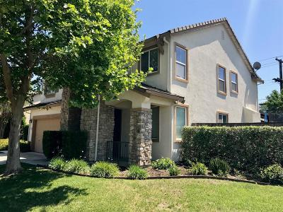 West Sacramento Single Family Home For Sale: 975 Lighthouse Drive