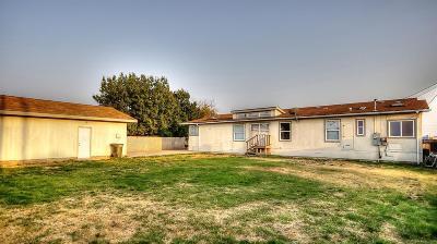 Sacramento Single Family Home For Sale: 2711 Lock Avenue