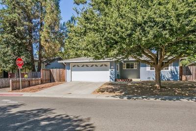 Davis Single Family Home For Sale: 1607 Baywood Lane