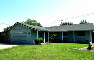 Lodi Single Family Home For Sale: 1122 Lakehome Drive