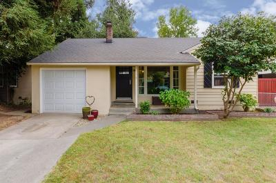 Sacramento Single Family Home For Sale: 600 Flint Way