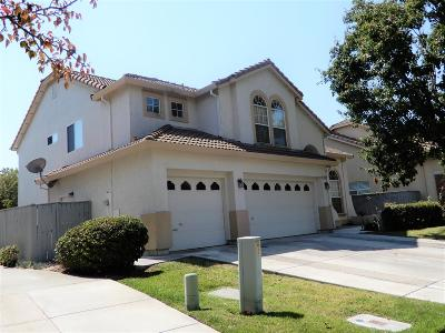 Elk Grove Single Family Home For Sale: 2600 Marshalynn Way