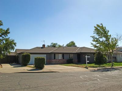 Atwater Single Family Home For Sale: 400 Marvis Drive