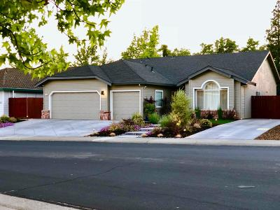 Folsom Single Family Home For Sale: 97 Ainsworth Way